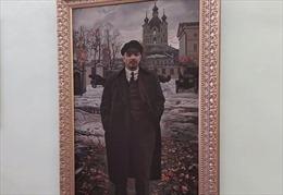 Lenin và những ngày tháng 10 ở Smolny
