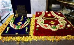 Bánh dát vàng hút khách tại Ấn Độ dịp lễ Diwali