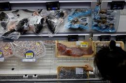 Trung Quốc làm mất lòng đối tác thương mại vì xét nghiệm COVID-19 trên thực phẩm