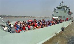 Bangladesh đưa hàng trăm người tị nạn Rohingya đến đảo xa cư trú