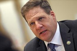 Thống đốc tiểu bang tại Mỹ hoãn lễ tuyên thệ nhậm chức do biểu tình