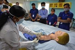 Nhiều người Ấn Độ dự định du lịch Mỹ để tiêm vaccine COVID-19