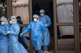 Quân đội Nam Phi thử nghiệm thuốc điều trị COVID-19 của Cuba