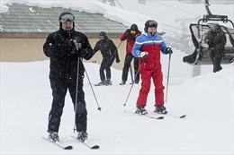 Sau họp cấp cao, Tổng thống Nga 'rủ' người đồng cấp Belarus trượt tuyết