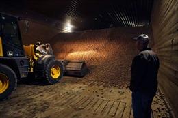 Trái Đất nóng lên, nông dân Mỹ tốn thêm tiền mua tủ lạnh trữ nông sản