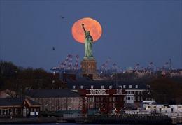 Ngắm 'siêu trăng hồng' trên khắp thế giới