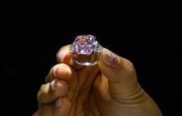 Chiêm ngưỡng viên kim cương hồng lớn nhất được bán đấu giá