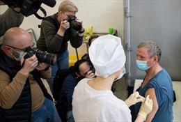 Tổng thống Nga muốn phát động chương trình tiêm vaccine Sputnik V cho du khách nước ngoài
