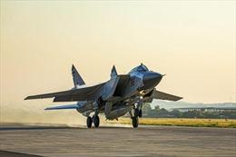 Lần đầu tiên Nga cử tiêm kích mang được tên lửa siêu thanh Kinzhal ra ngoài lãnh thổ
