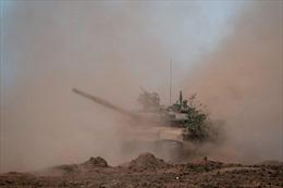 Nga điều xe tăng chuẩn bị tập trận gần biên giới của Afghanistan
