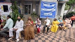 Chương trình tiêm vaccine của Ấn Độ gặp trở ngại sau bước khởi đầu thuận lợi