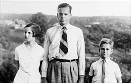 Người hùng thầm lặng 'Quý ông đài phát thanh' cứu hàng nghìn người Do Thái