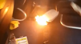 Hành khách tháo chạy vì sạc pin dự phòng phát nổ trong khoang máy bay