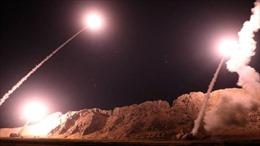 Tên lửa đạn đạo Iran găm xuống Syria ngay sát nơi Mỹ đóng quân