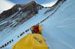 Người leo đỉnh Everest nơm nớp sợ mắc COVID-19