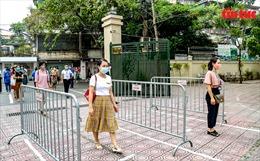 Chủ tịch UBND TP Hà Nội Chu Ngọc Anhvào vai thí sinh diễn tập tình huống phòng chống COVID-19