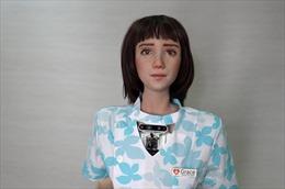 Ra mắt robot y tá mới, là 'em gái' của người máy Sophia