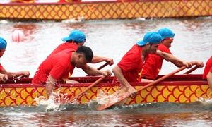 Những hình ảnh ấn tượng tại lễ hội bơi chải thuyền rồng Hà Nội mở rộng 2019