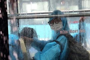 Người dân ở ổ dịch từng nóng nhất Hà Nội hết thời gian cách ly tập trung trở về