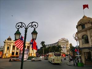 Phố phường Hà Nội rực rỡ chào mừng Hội nghị thượng đỉnh Mỹ - Triều lần hai