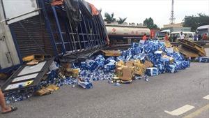 Tai nạn thảm khốc trên quốc lộ 5 làm 8 người thương vong