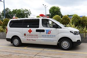 Agribank Chi nhánh Bình Thạnh tài trợ Bệnh viện TP. Thủ Đức xe cứu thương