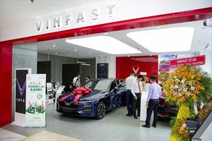 VinFast đồng loạt khai trương 27 showroom trên toàn quốc