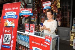 VinShop và Techcombank ra mắt dịch vụ hỗ trợ vốn cho chủ cửa hàng tạp hóa mùa Tết