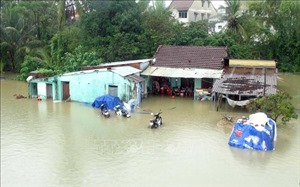 Hình ảnh mưa lũ tàn phá các tỉnh miền Trung