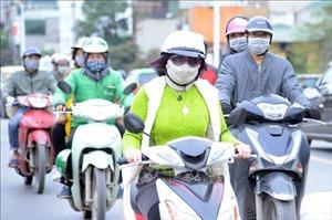 Người Hà Nội chống chọi với không khí lạnh tăng cường