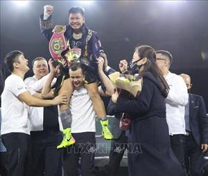 Võ sĩ Thu Nhi lên ngôi vô địch WBO thế giới