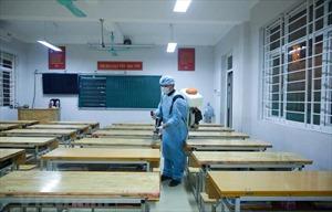 Nhiều địa phương cho học sinh tạm dừng đến trường để phòng, chống dịch