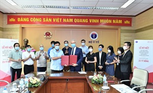 AIA Việt Nam gia hạn và mở rộng hỗ trợ tài chính đối với đội ngũ y, bác sĩ