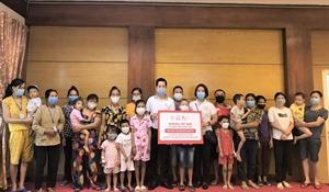 Generali tặng 500 phần quà Trung thu cho các bệnh nhi khó khăn