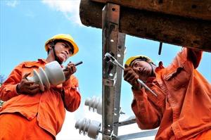 Tăng cường đảm bảo an toàn sử dụng điện trong mùa mưa bão