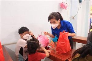 Nestlé Việt Nam tặng quà cho thiếu nhi bị ảnh hưởng bởi đại dịch COVID-19