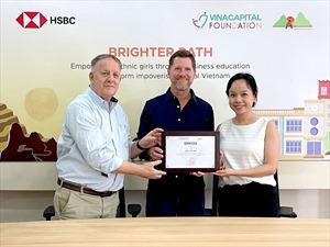 HSBC Việt Nam và VinaCapital Foundation chăm lo cho nữ sinh dân tộc thiểu số
