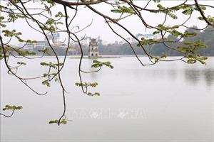 Hồ Gươm khúc giao mùa