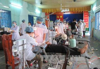Thầy thuốc trẻ mê tình nguyện