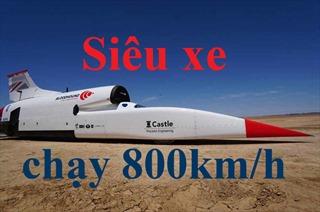 Siêu xe lai tàu vũ trụ phóng như tên bắn trên sa mạc