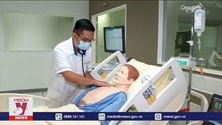 Nghề điều dưỡng hấp dẫn người dân Singapore trong bối cảnh dịch COVID-19