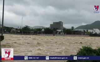 Hủy nhiều chuyến tàu qua Nha Trang do mưa lũ