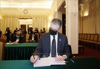 Đại diện đoàn ngoại giao và các tổ chức quốc tế viếng nguyên Tổng Bí thư Lê Khả Phiêu