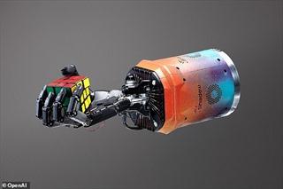 Xem robot xoay Rubik điệu nghệ bằng một tay