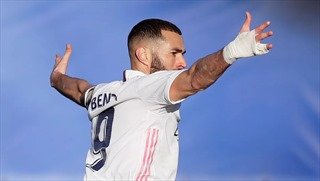 Real Madrid ngược dòng ngoạn mục, vượt mặt Barca trên bảng xếp hạng
