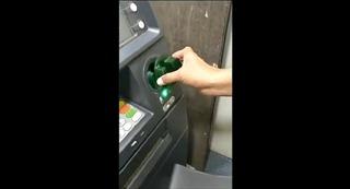 Cảnh sát Ấn Độ lật tẩy chiêu trò lừa đảo sao chép mã pin tại cây ATM