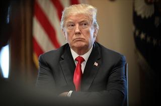 Vì sao Tổng thống Trump lặng lẽ xoa dịu 'nỗi đau' chính phủ đóng cửa?