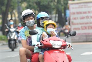 TP Hồ Chí Minh trong ngày đầu xử phạt người không đeo khẩu trang khi ra đường