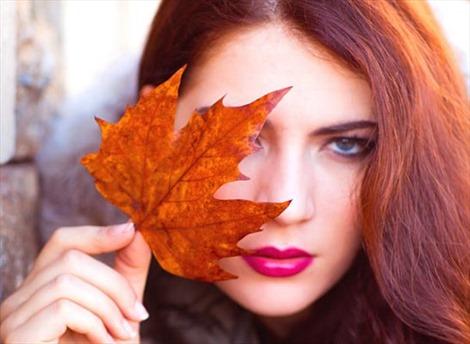 Lá phong đỏ chống nhăn da không kém gì botox