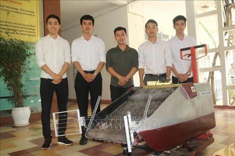 Ba chàng sinh viên với sáng chế nhặt rác thời đại 4.0